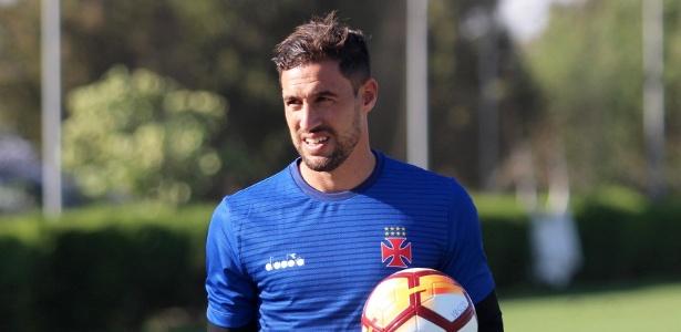 Martín Silva completará 200 jogos pelo Vasco contra o Concepción