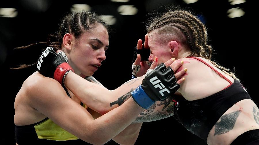 Ariane Lipski (esquerda) foi derrotada por Joanne Calderwood - Sarah Stier/Getty Images/AFP