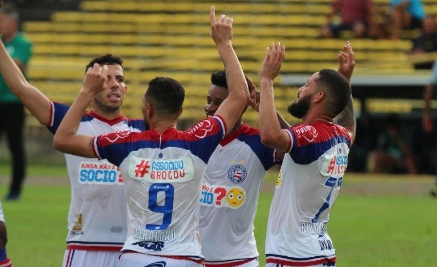 Jogadores do Bahia comemoram a vitória contra Altos pela Copa do Nordeste