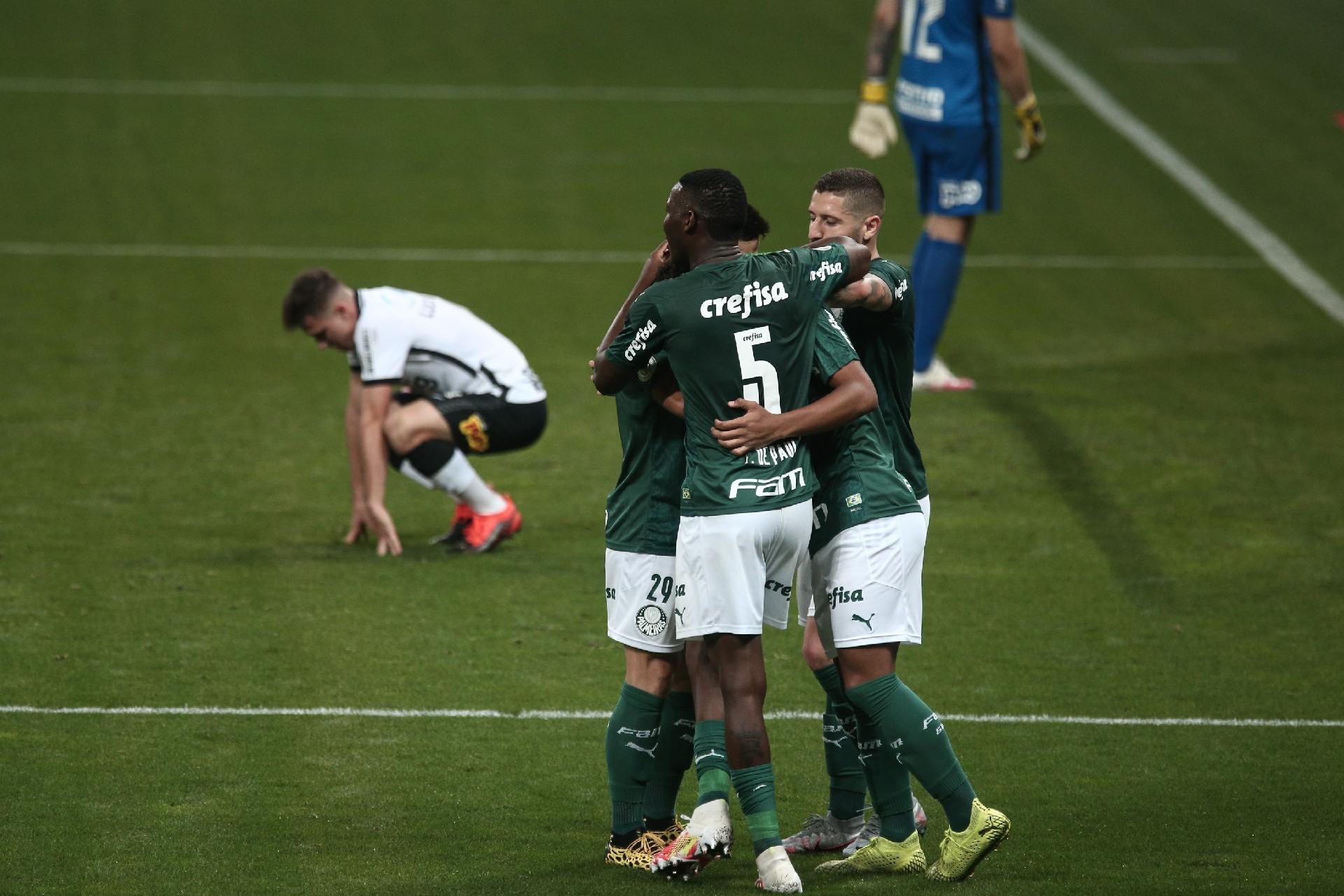 Fagner E Avelar Sao Expulsos Palmeiras Vence E Joga Pressao No Corinthians