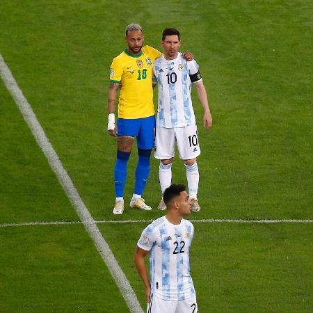 Neymar e Messi se abraçam na final da Copa América - Wagner Meier/Getty Images