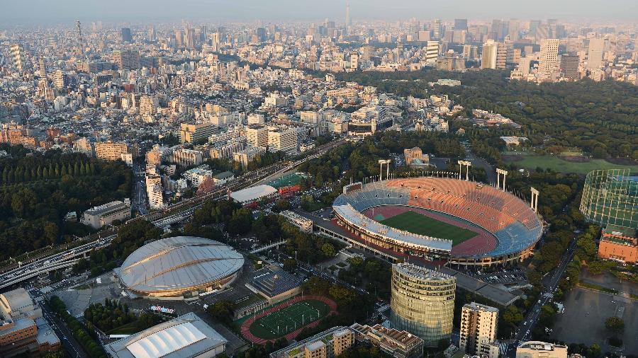 Vista aérea de Tóquio, com o Novo Estádio Olímpico, para 68 mil pessoas - Atsushi Tomura/Getty Images