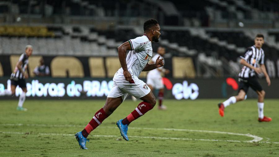 Luccas Claro lamentou resultado do Fluminense na Copa do Brasil, mas enfatizou luta do Tricolor - Lucas Merçon/Fluminense FC