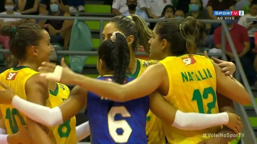 Brasil venceu a Argentina de virada pelo Sul-Americano de vôlei - Reprodução/SporTV