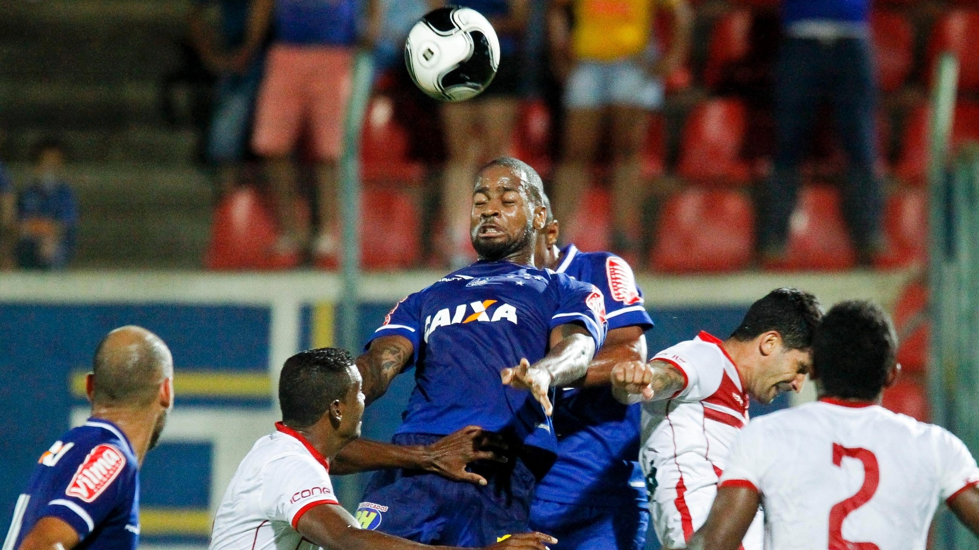 Dedé foi um dos destaques do Cruzeiro na vitória sobre o Tricordiano