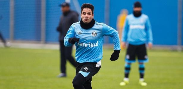 Henrique Almeida receberá oportunidade como titular do Grêmio