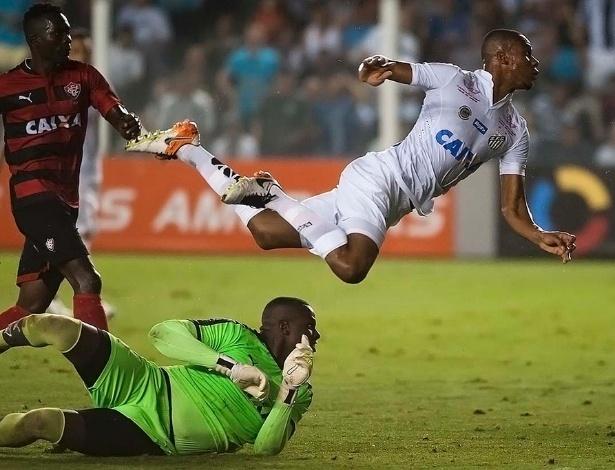 Copete é o principal artilheiro do Santos no Campeonato Brasileiro, com dez gols