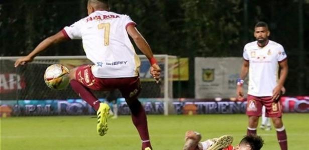 Tolima e Santa Fe vão se enfrentar neste domingo na Colômbia