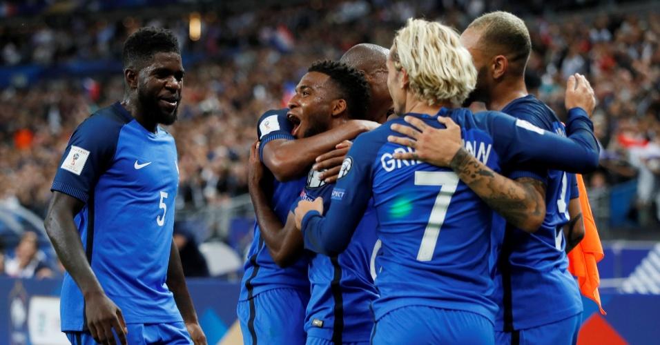 Jogadores da França comemoram gol marcado contra a Holanda