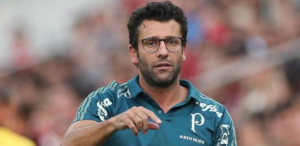 Demitido do Palmeiras, Valentim foi pego de surpresa e teve de mudar sua programação
