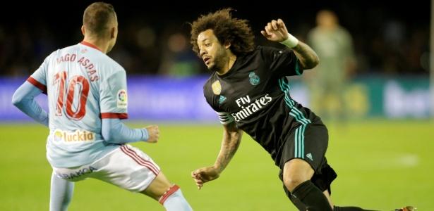 Marcelo encara a marcação de Iago Aspas no jogo contra o Celta