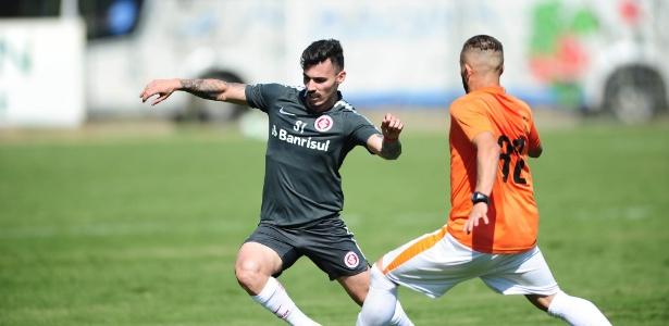 Zeca voltou a atuar pelo Inter em jogo-treino contra o Atibaia SC, no interior de SP