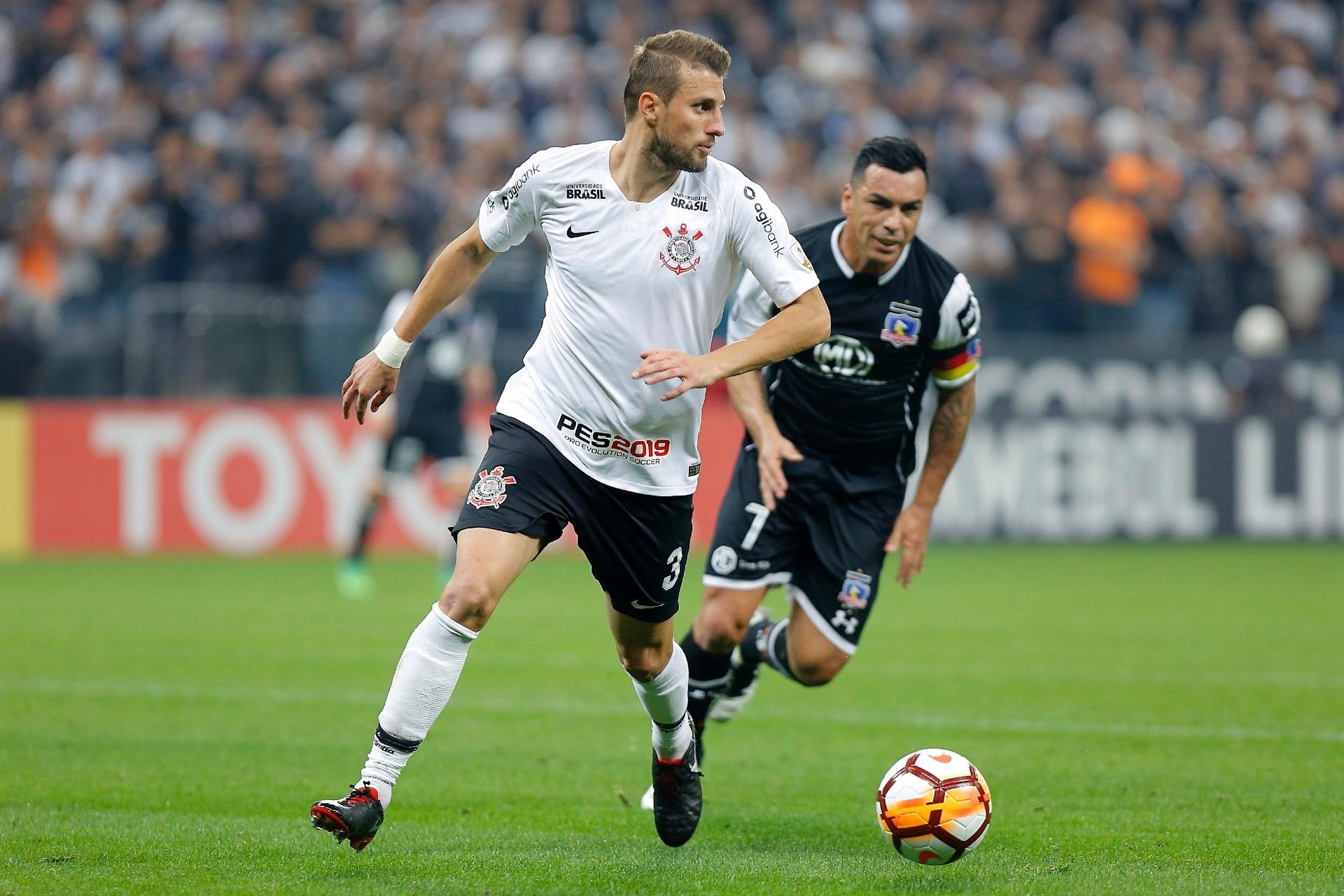 Assista aos gols de Corinthians x Colo-Colo - 30 08 2018 - UOL Esporte d544055e3e9ec