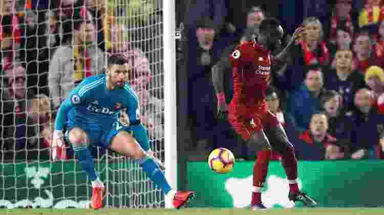 De calcanhar, Sadio Mané fez 2 a 0 para o Liverpool ainda no primeiro tempo diante do Watford - Russell Cheyne/Reuters - Russell Cheyne/Reuters