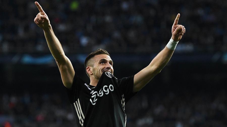 Tadic comemora gol sobre o Real Madrid pela Liga dos Campeões  - David Ramos/Getty Images