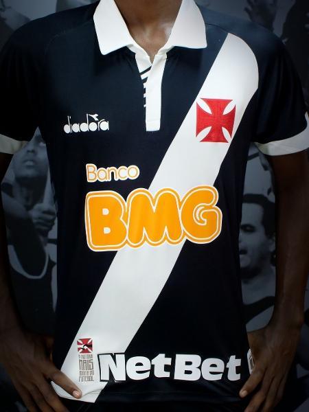 373ced0aab1c Por conta de contrato, Vasco paga por cada peça de material esportivo que  utiliza à