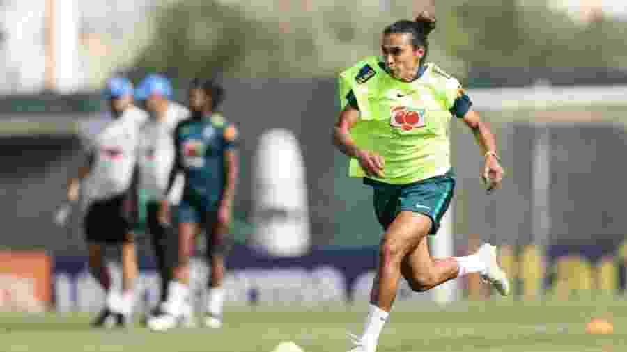 Marta, durante treino da seleção brasileira feminina - Divulgação/CBF