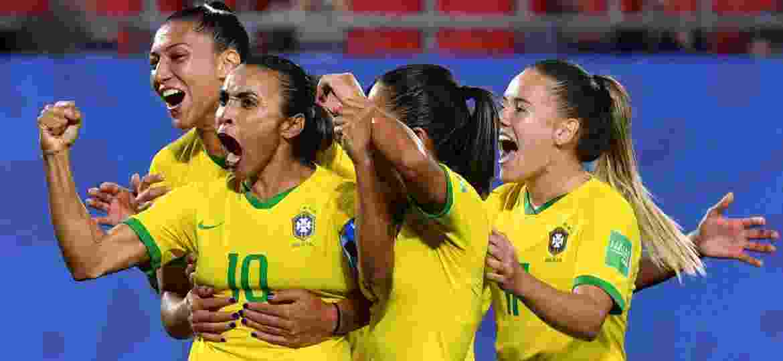Brasil entra em campo no domingo, a partir das 16h (de Brasília) - Philippe HUGUEN / AFP