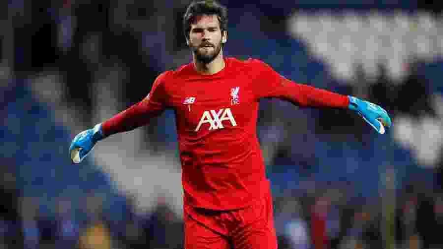 Alisson, do Liverpool, é o segundo goleiro mais valioso da atualidade - Paul Childs/Reuters