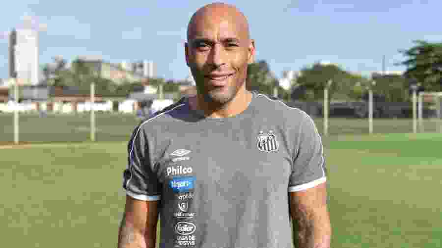 Edinho, filho de Pelé, trabalha nas categorias de base do Santos - Divulgação/Santos FC