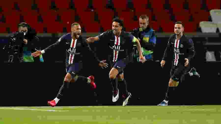 Neymar comemora primeiro gol do PSG diante do Borussia Dortmund pela Liga dos Campeões - UEFA Pool/Handout via Reuters