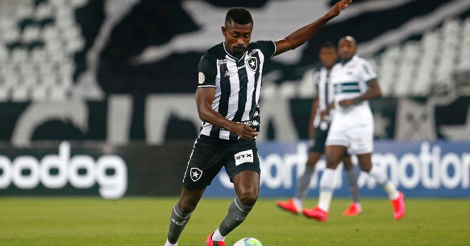 Kalou durante sua estreia com a camisa do Botafogo
