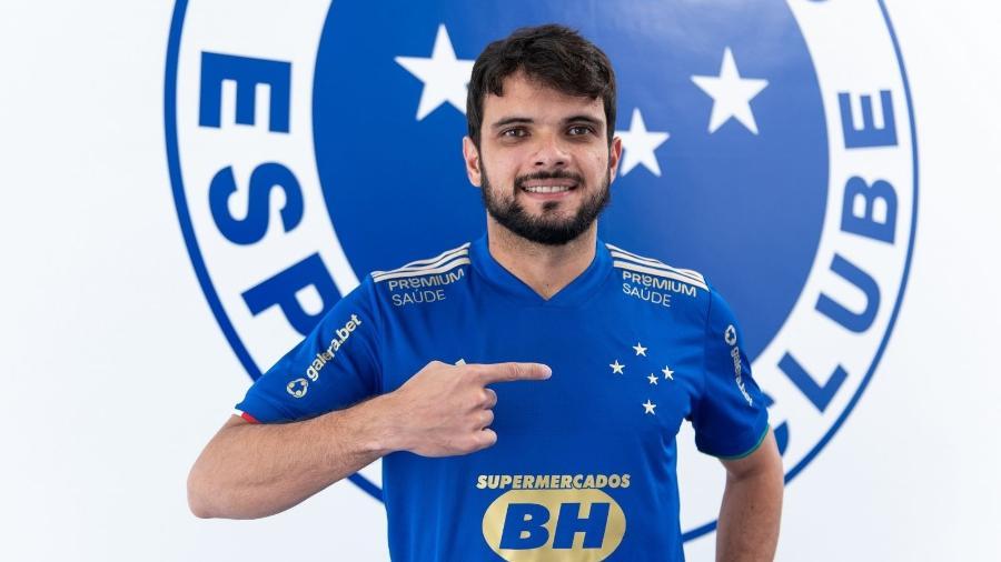 Norberto volta ao Cruzeiro após mais de uma década, já que o lateral passou pela base celeste entre 2008 e 2009 - Bruno Haddad/Cruzeiro