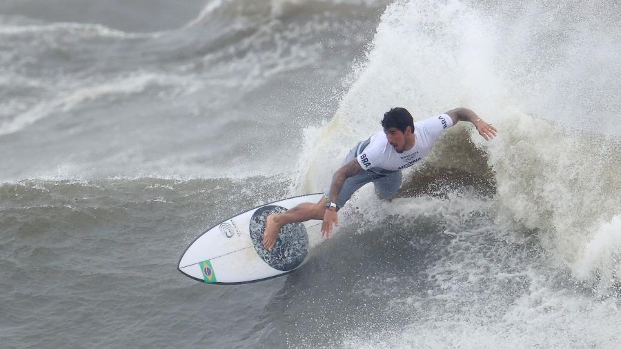 Gabriel Medina durante as quartas de final nas Olimpíadas de Tóquio - REUTERS/Lisi Niesner
