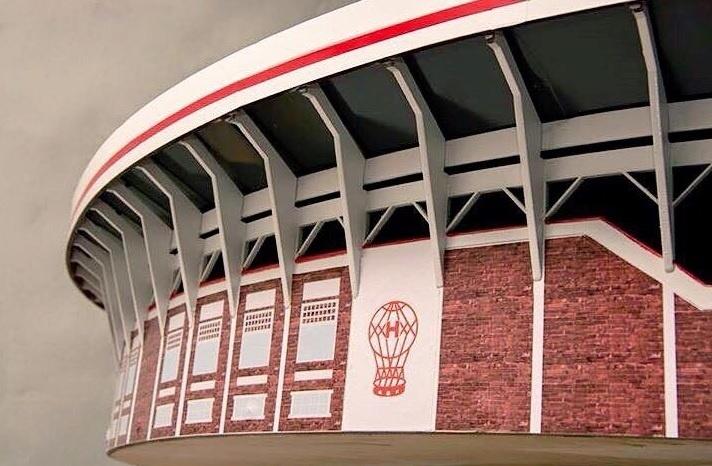 Versão mesa de pebolim do estádio Tomás Adolfo Ducó, do Huracán (ARG)