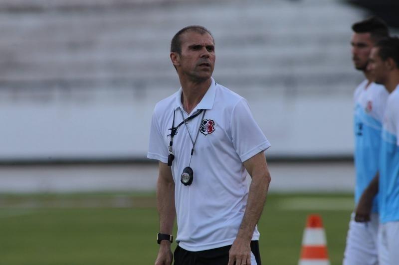 Milton Mendes, técnico do Santa Cruz