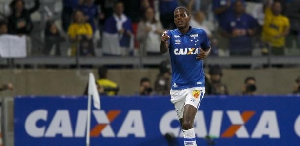 Único gol de Bruno Ramires pelo Cruzeiro foi contra o Vitória, pelo Brasileiro