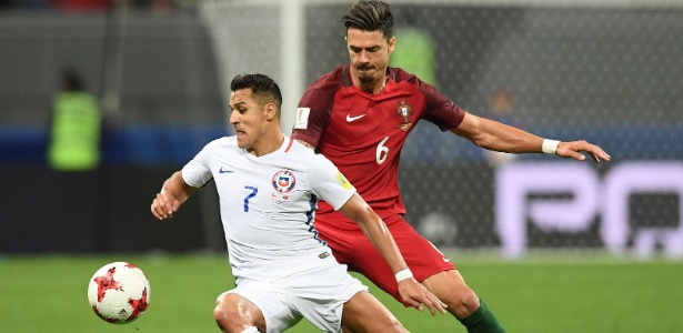Alexis Sánchez em ação pela seleção chilena. Jogador pertence ao Arsenal