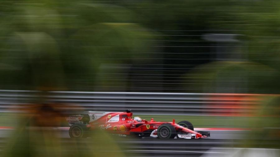 Sebastian Vettel foi o mais rápido da sexta-feira em Sepang - Clive Mason/Getty Images