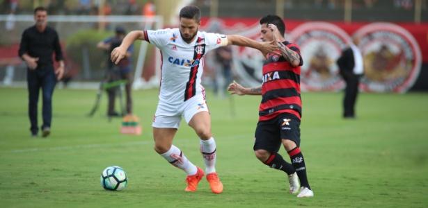 Flamengo se garantiu na fase de grupos da Libertadores ao bater o Vitória