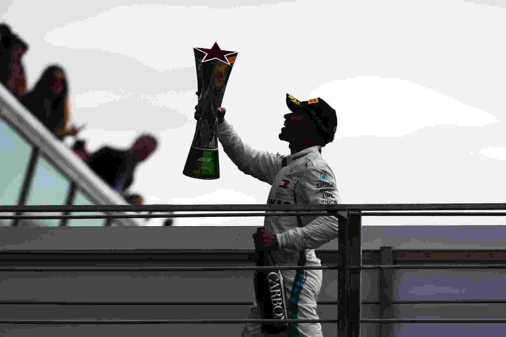 GP da Itália (2 de setembro): Hamilton venceu e deu início à sequência de quatro vitórias seguidas - Charles Coates/Getty Images