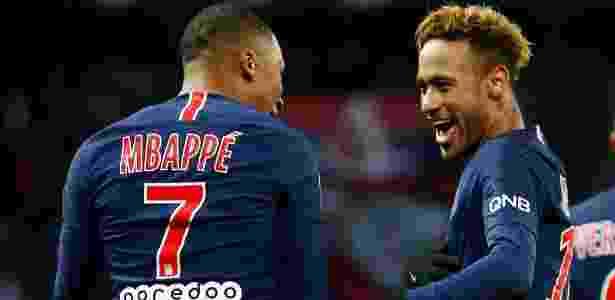 Neymar e Mbappé comemoram gol do PSG sobre o Lille - Christian Hartmann/Reuters
