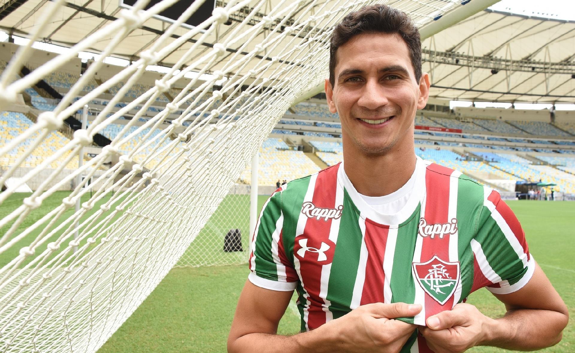 Paulo Henrique Ganso mostra empolgação com estreia pelo Fluminense -  Esporte - BOL f6bfe01bbc525