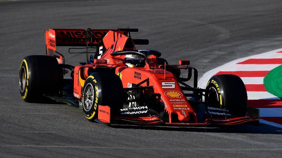 Sebastian Vettel treina com a Ferrari em Barcelona - Lluis Gene/AFP