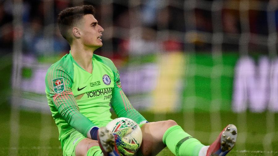 Goleiro Kepa, do Chelsea, se recusou a sair do jogo diante do City - REUTERS/Rebecca Naden