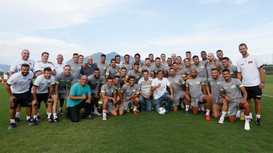 Cabo Daciolo visitou treino do Vasco antes da partida contra o Resende - Rafael Ribeiro/Vasco