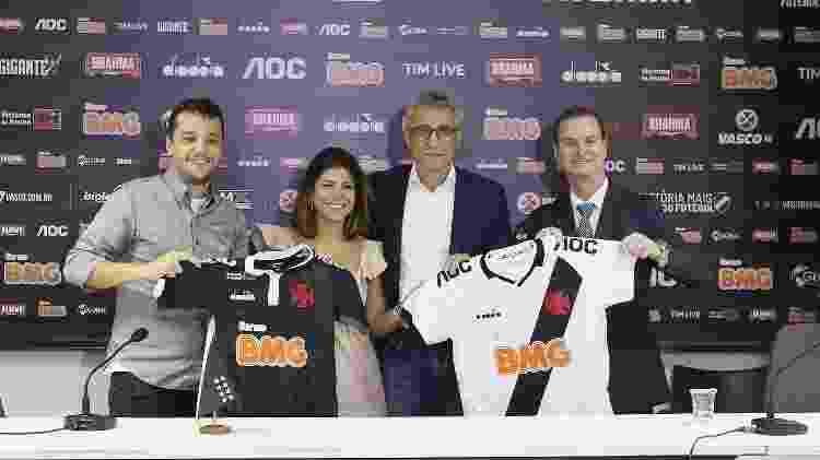 Diretoria do Vasco e executivos do banco BMG celebram a parceria firmada em 2019 - Rafael Ribeiro / Vasco.com.br