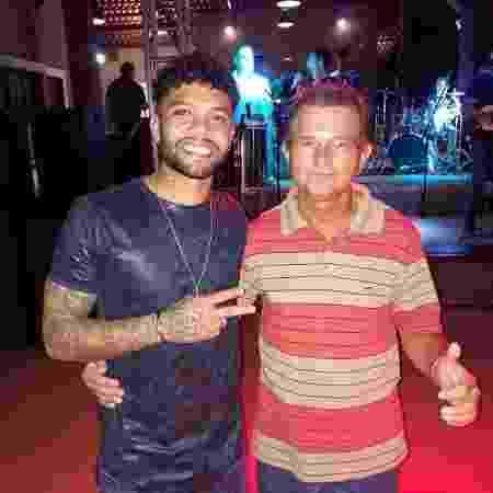 O técnico alagoano Guilherme Farias (dir.) e o meio-campista Otávio, do Bordeaux - Acervo pessoal