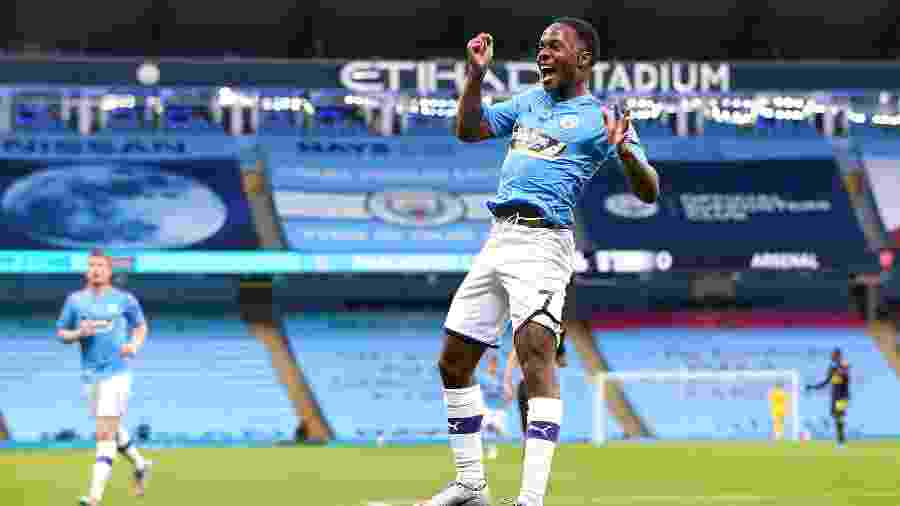 Raheem Sterling comemora primeiro gol do Manchester City contra o Arsenal na  Premier League -  Matt McNulty/Manchester City FC via Getty Images