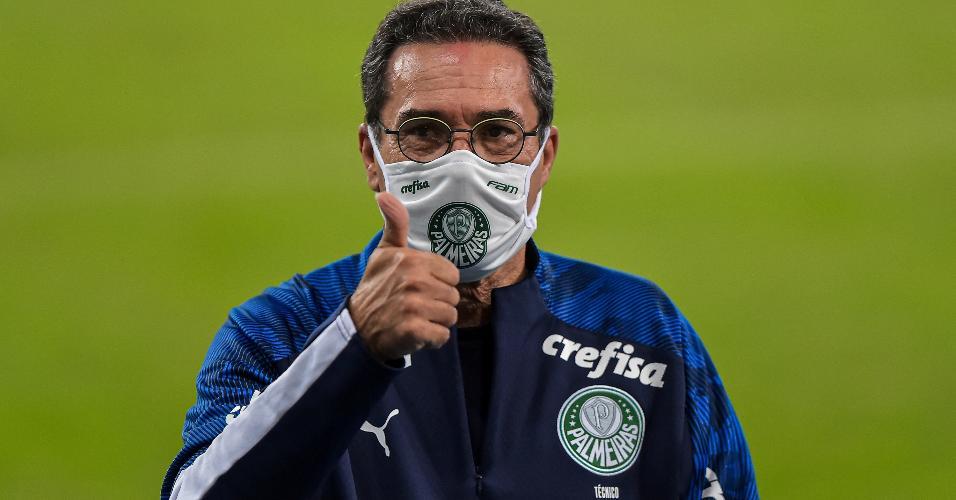 Vanderlei Luxemburgo técnico do Palmeiras durante partida contra o Fluminense