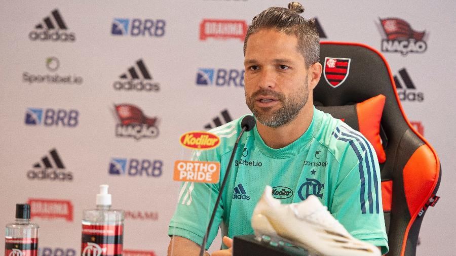 Meia Diego concede entrevista coletiva no Flamengo - Alexandre Vidal/Flamengo