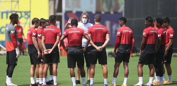 Como Corinthians articulou para não repetir São Paulo e treinar no Peru