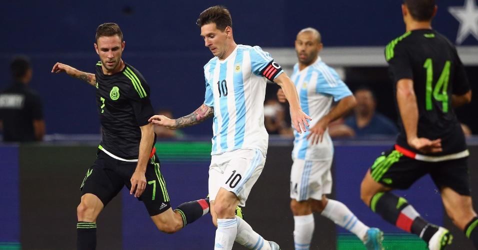 Messi em ação pela seleção argentina no amistoso com o México