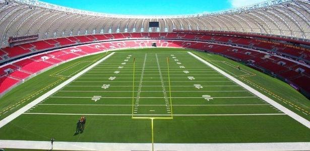 Montagem do Beira-Rio com gramado adaptado para o futebol americano