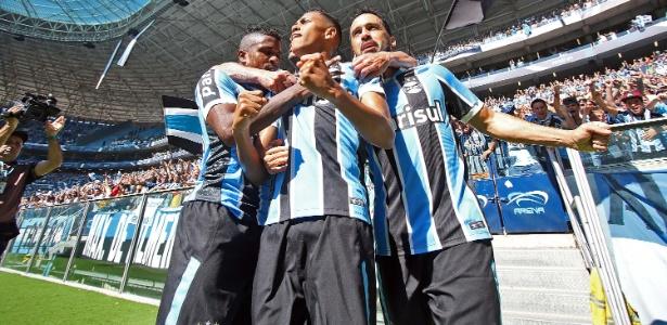 Grêmio quer ficar perto do primeiro clocado para 'dar o bote' no fim do campeonato