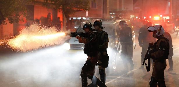 Polícia Militar faz escolta de torcedores; oficiais entraram em conflito antes do jogo